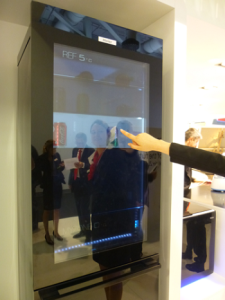 Frigo interactif et transparent Haier